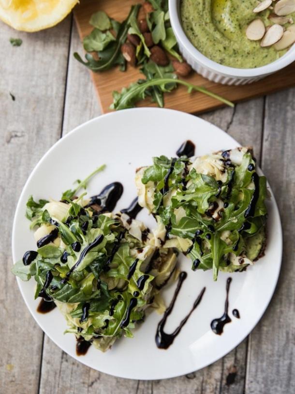 avocat-toast-artichaux-salade-healthyfood-fitskeen